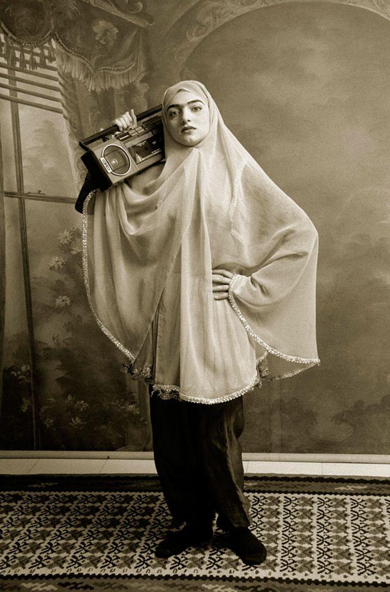 Shadi-Ghadirian-muslim-hiphop