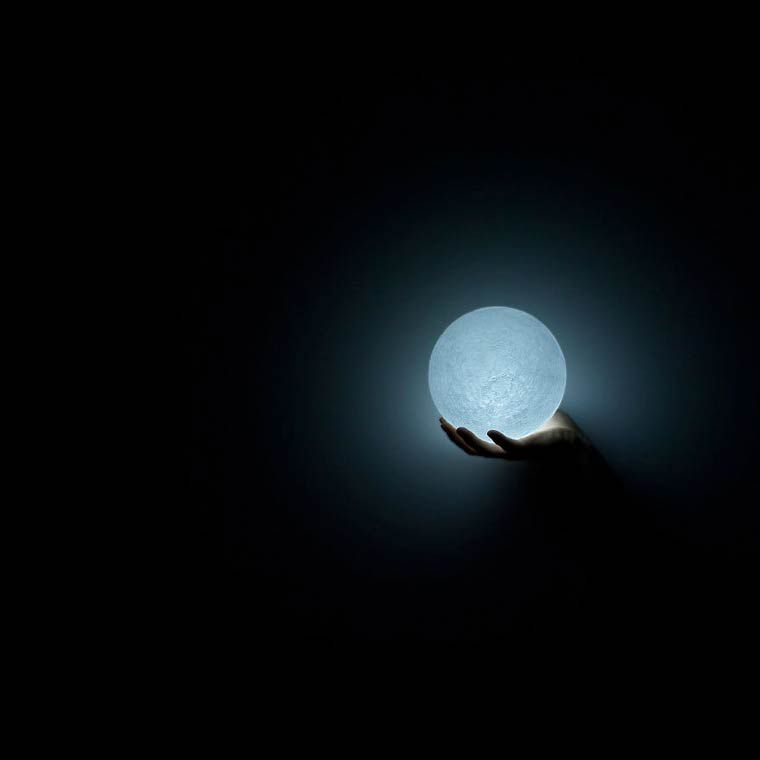 the moon lampe led