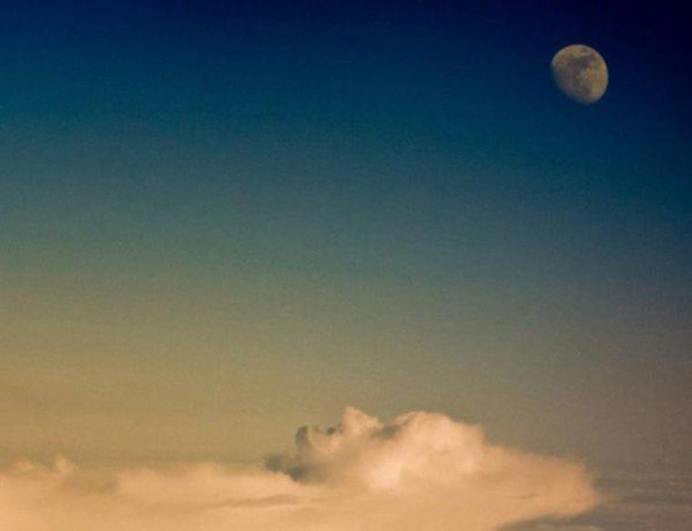 un nuage en forme de visage