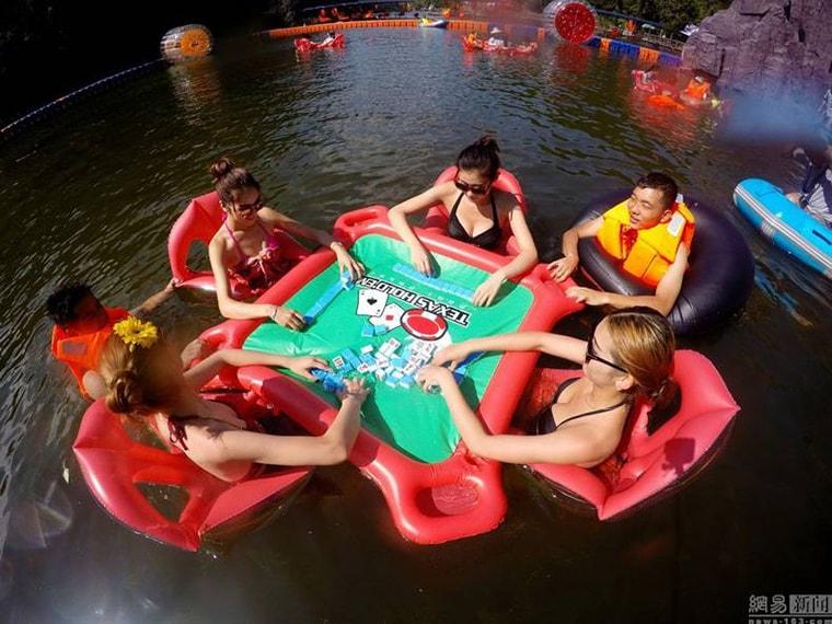 poker piscine