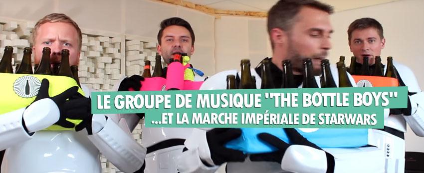 Le groupe de musique «The Bottle Boys» joue la marche impériale habillé en stormtroopers