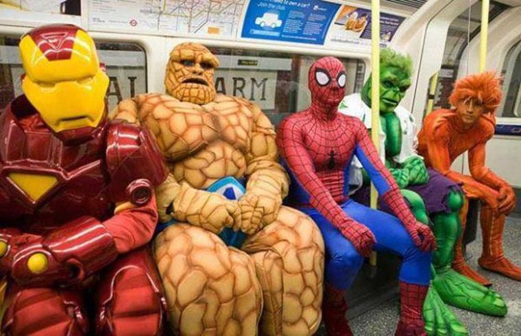 les avengers dans le metro