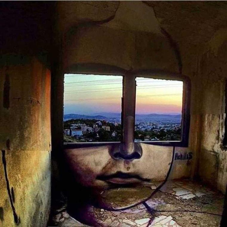 street art fenetre et yeux