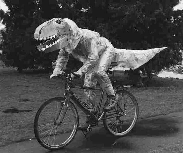 t rex en velo riding