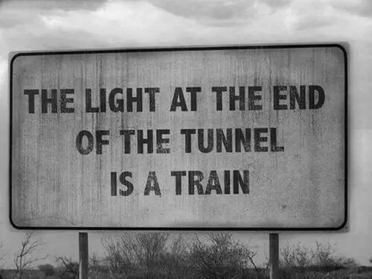 la lumière au fond du tunnel