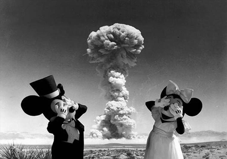 mickey et minnie bombe atomique